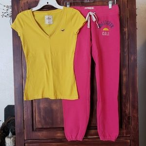 Hollister V neck T-shirt & Joggers outfit